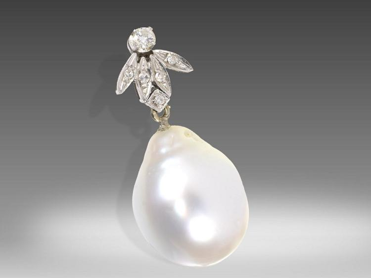 Pendant with huge pearl and diamonds
