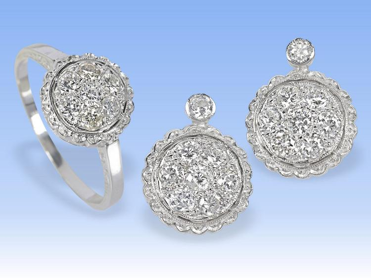 Ring and earrings, approximately 1.2 carat of diamonds