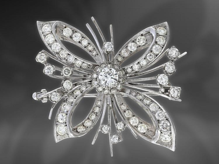 Very fine vintage diamond brooch, approximately 4 carat
