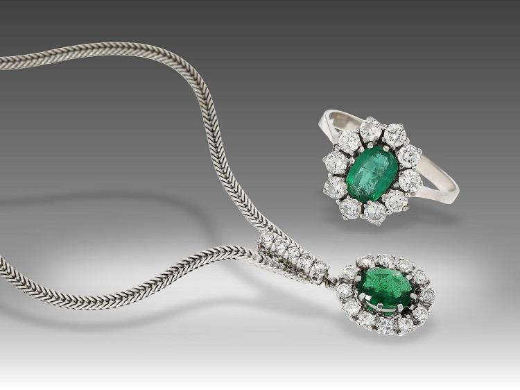 Vintage diamond and emerald necklace and ring, very nice quality