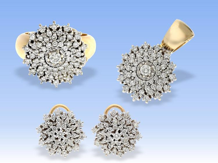 Ring, earrings and pendant, approximately 3.5 carats of diamonds, high-quality