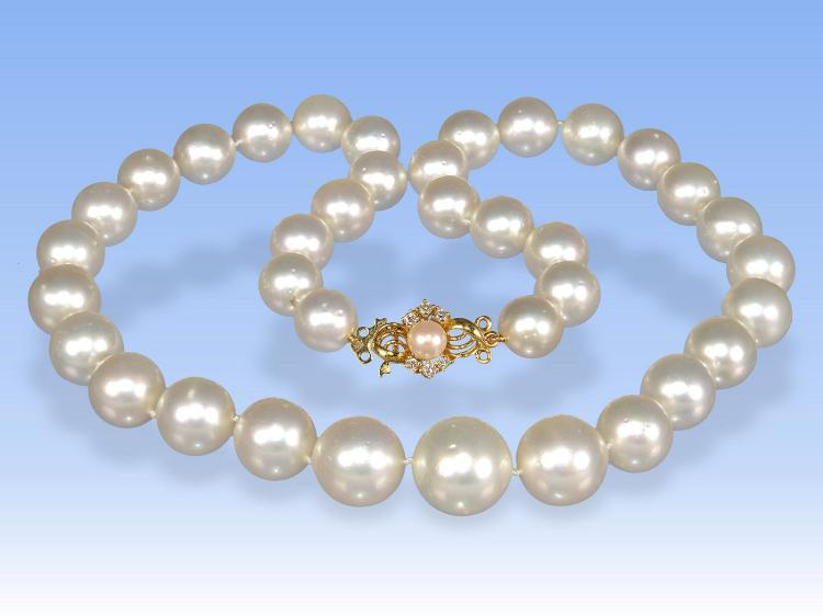 High-quality Southsea Pearl necklace