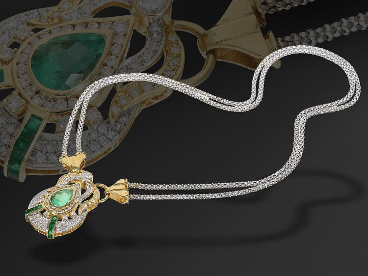Unique and high quality necklace with Emeralds and diamonds