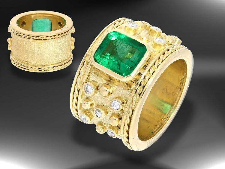 High quality and unique emerald and diamond ring