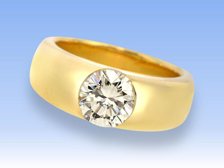 Diamond solitaire ring, 2 ct