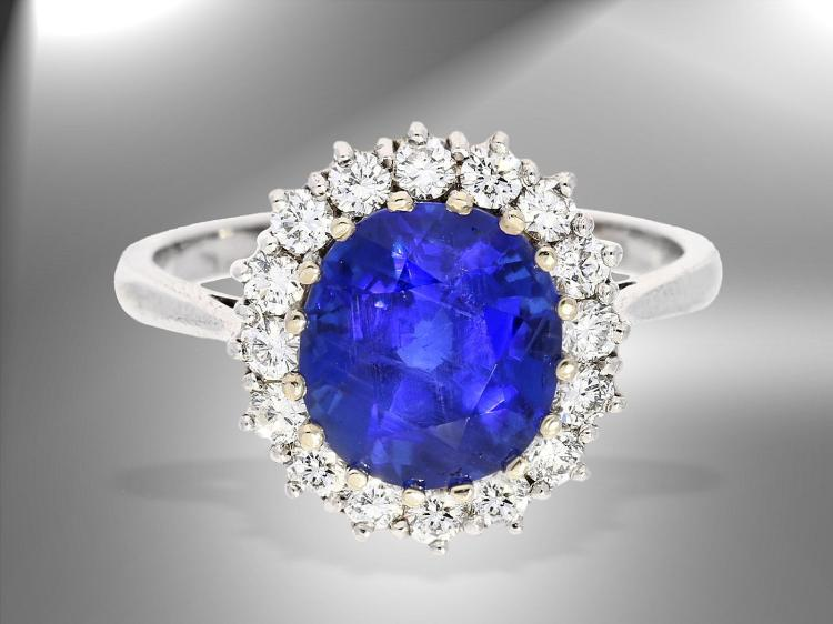 High quality ceylon sapphire and diamond ring including IGI certificated