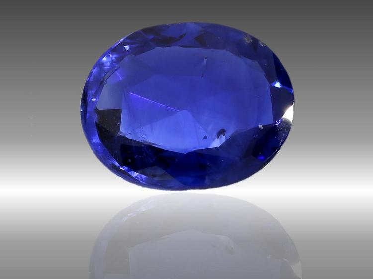 Natural Sapphire, 3ct