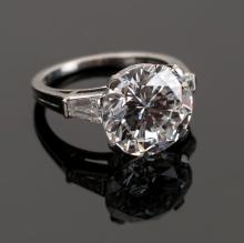 Fine Vintage Tiffany & Co., New York, 5.25 Carat Diamond  Ring