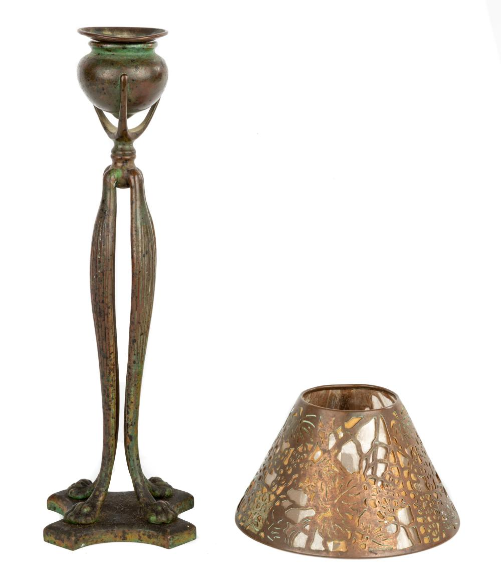 Tiffany Studios, New York Cats Paw Candle Lamp with Mica Shade