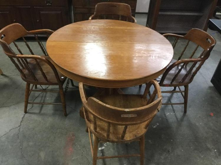 A Vintage Oak Round Kitchen Table W 4 Spindle Back Chairs