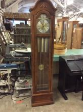 Lovely Ridge way Grandfather Clock in good condition - great clock