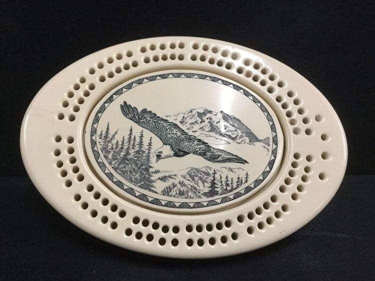 Very Cool Carved Bone Scrimshawed Cribbage Board With A Depiction Of An Eagle