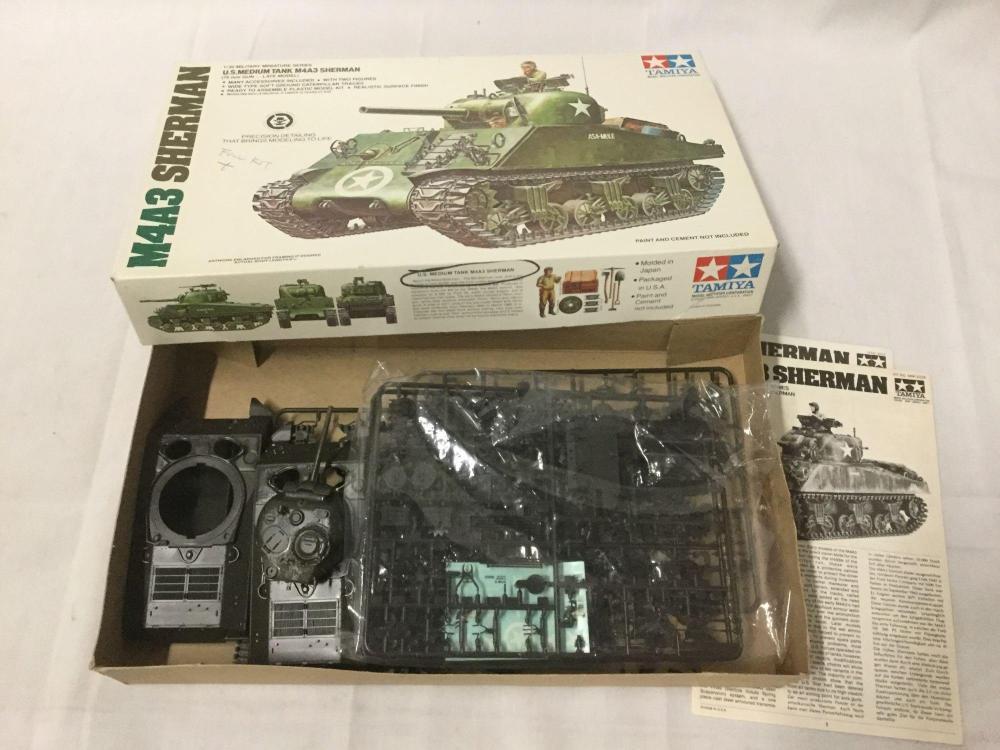 8 1/35 scale military model kits like new - Italeri, Tamiya