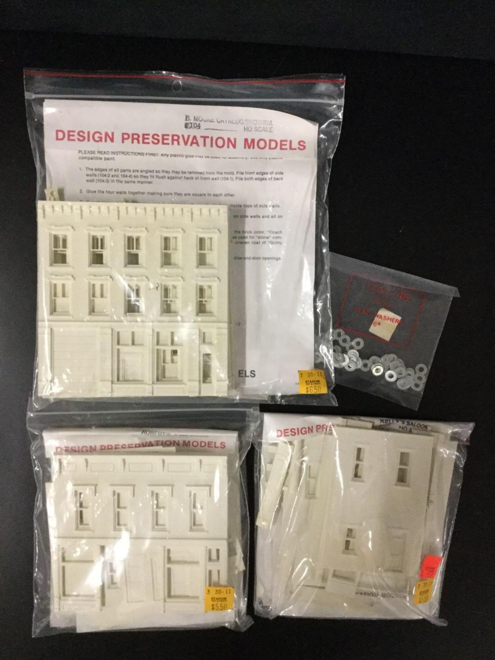 18x HO scale plastic model kits for model train diorama