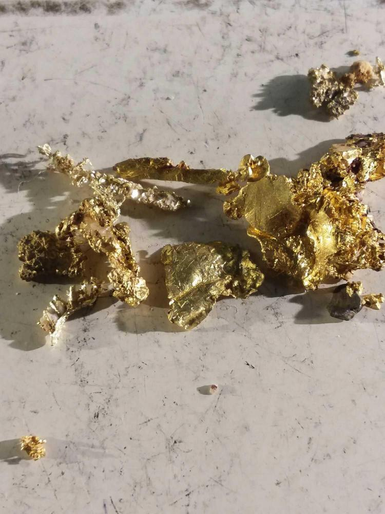 3 2 grams of raw gold nuggets