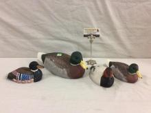 Set of 4 vintage duck decoys incl. 2 1995 wildlife collection signed decoys a + painted stone decoy