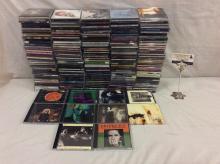 Approx 200 cds incl. classic rock, alt rock, pop, & bands like No Doubt, The Grateful dead, etc
