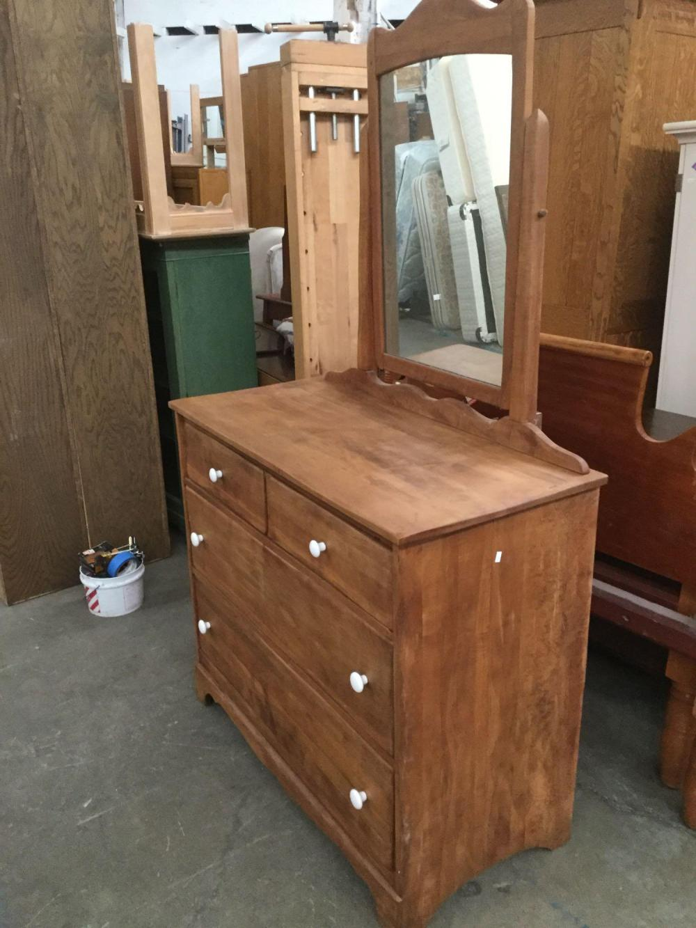 Vintage Kroehler Furniture 3 Drawer Vanity Dresser With Original