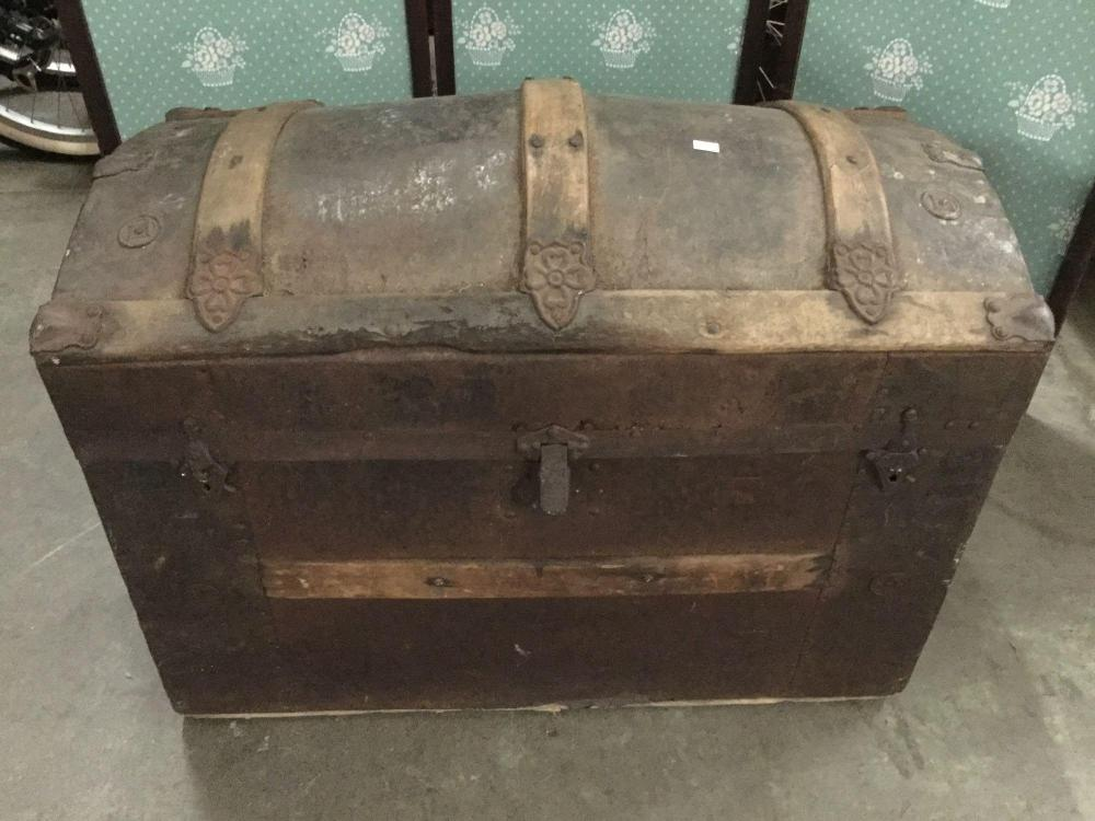 Antique Dome Top Victorian Wood And Metal Steamer Trunk Mi
