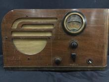 1940's Tabletop Tube Radio by Philco in fair cond