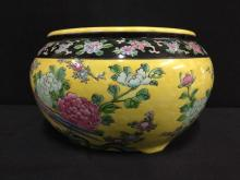 Hand painted 60's japanese planter w/ floral theme