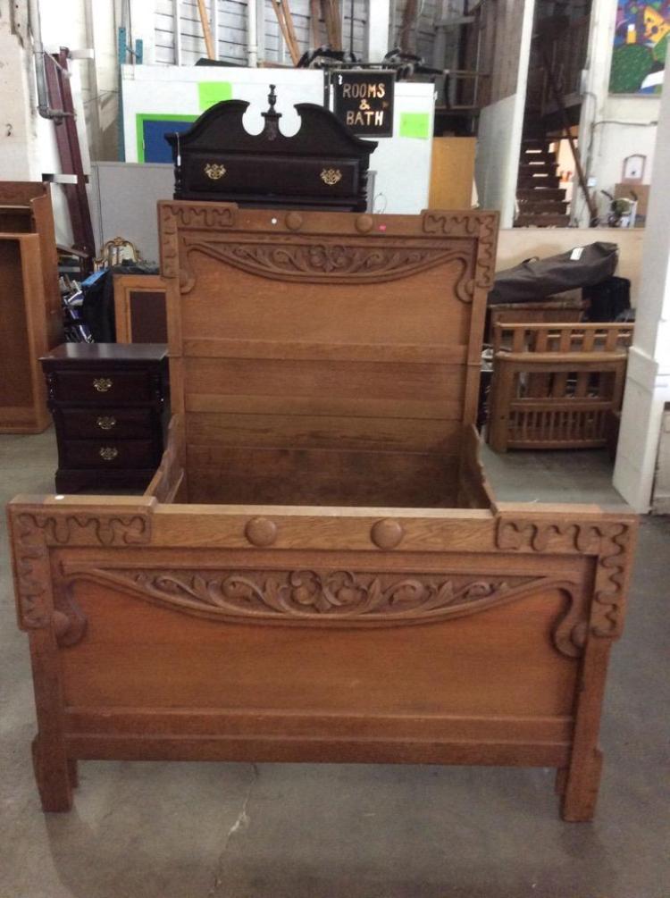 beautiful antique carved wood bed frame see pics. Black Bedroom Furniture Sets. Home Design Ideas
