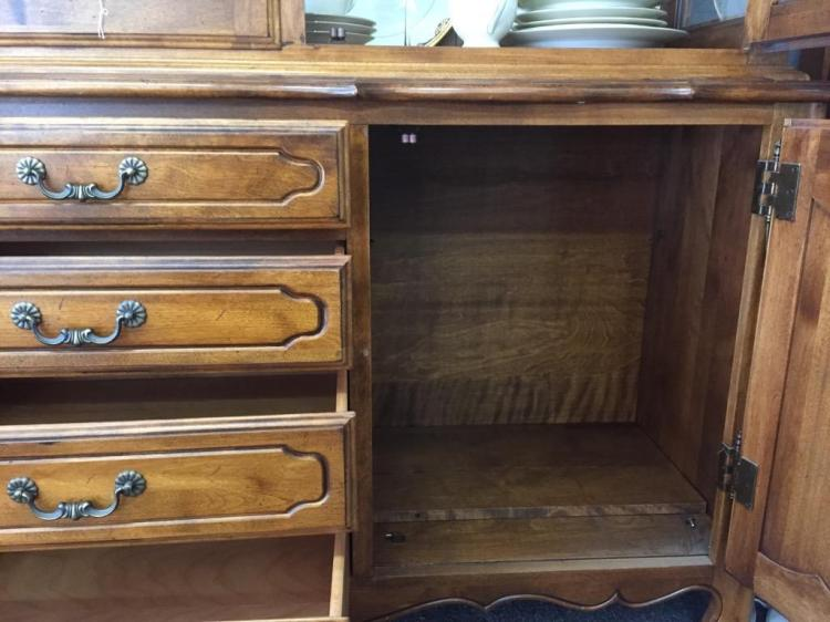 Exquisite Maple Ethan Allen Antique Inspired China Cabinet H