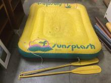 Sunsplash by Intex float/raft w/ 2 plastic oars as is slow leak