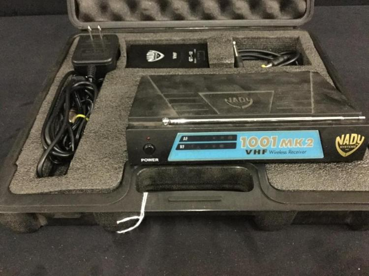 Nady Systems 1001 MK2 Wireless guitar System in case