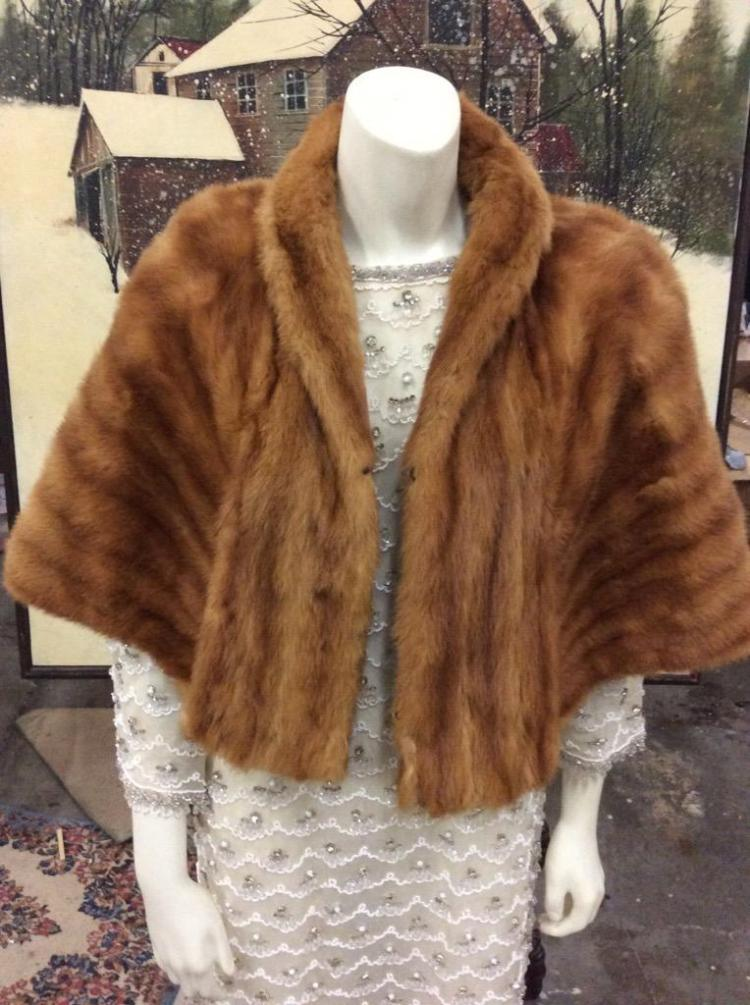 Lovely Vintage Fox Fur Stole in good cond