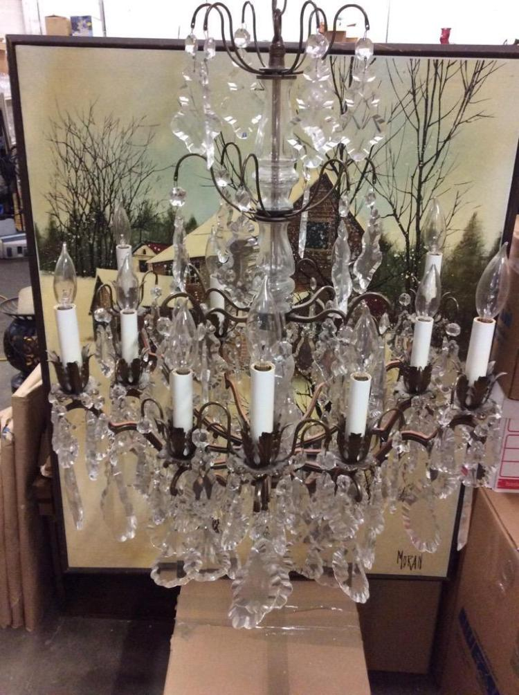 Stunning vintage Chandelier w/ deco look - beautiful hanging crystal
