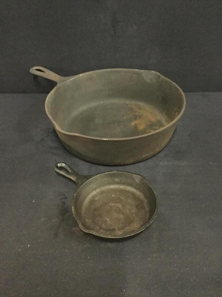 Large Cast Iron Wagner Ware Skillet and Cast Iron Lodge Skillet