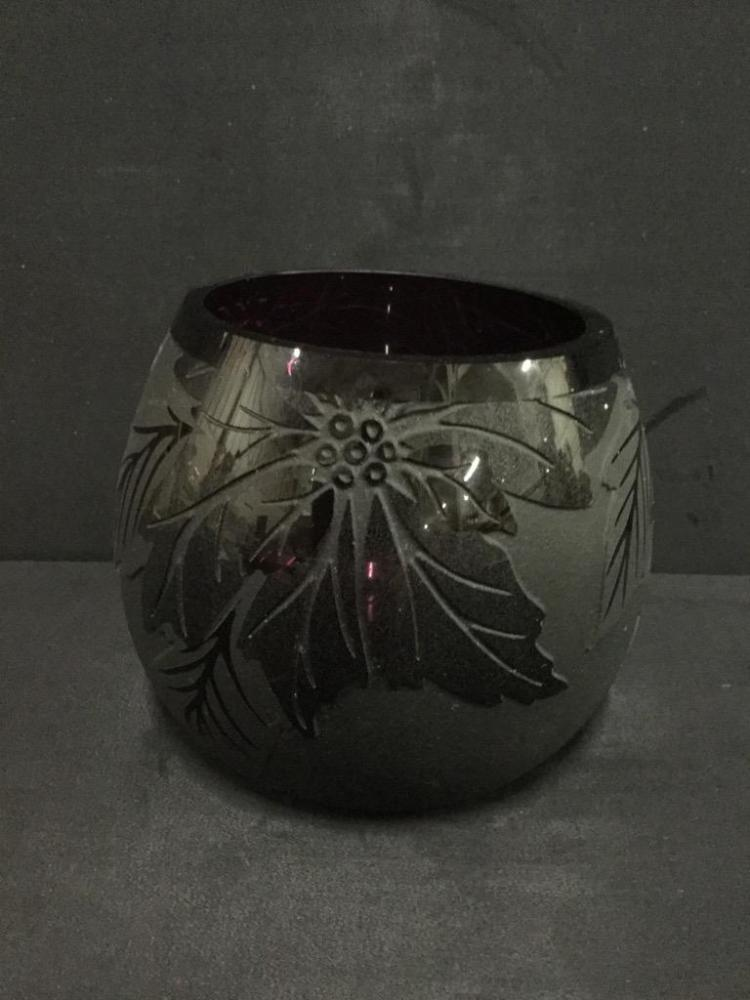 Beautiful Ken Benson 33/3000 Hand made Art Glass Bowl w/ embossed Leaf design