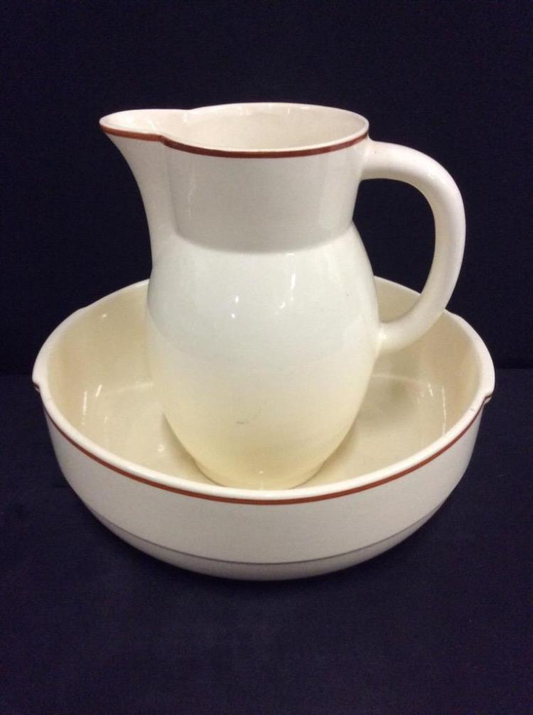 Vintage wash basin and pitcher in good shape