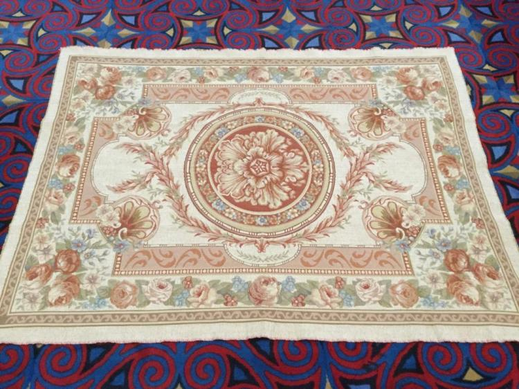 Lovely Vintage Flower themed Large Tapestry or rug