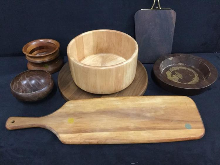 Set of nice wooden bowls, serving pieces, etc