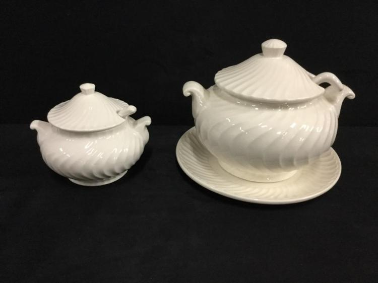 Set of two vintage lidded 1950's Tureen and lidded dish