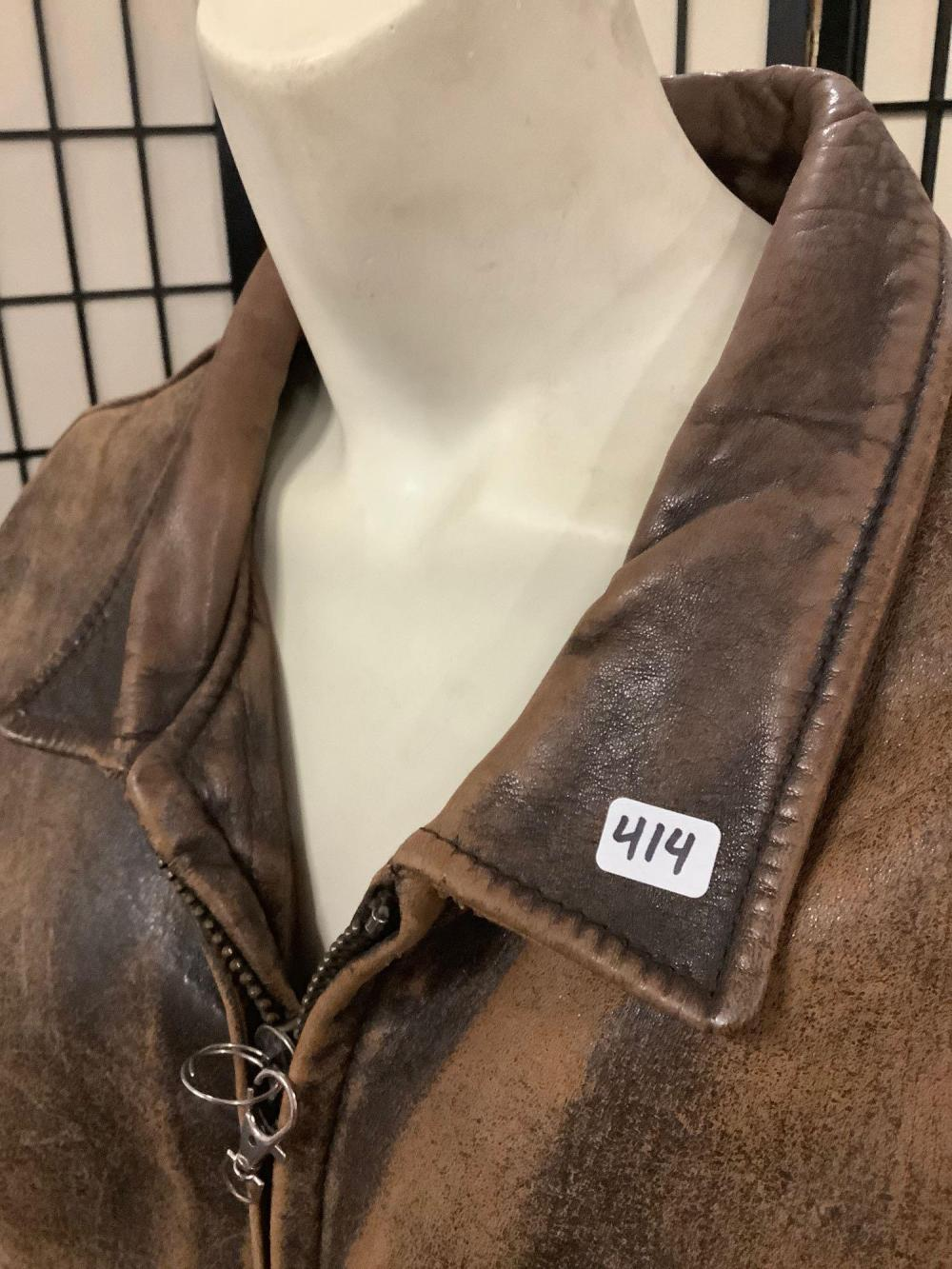Lot 63: Vintage 1987 Avirex USA Leather bomber jacket type G-2 with back and shoulder patch