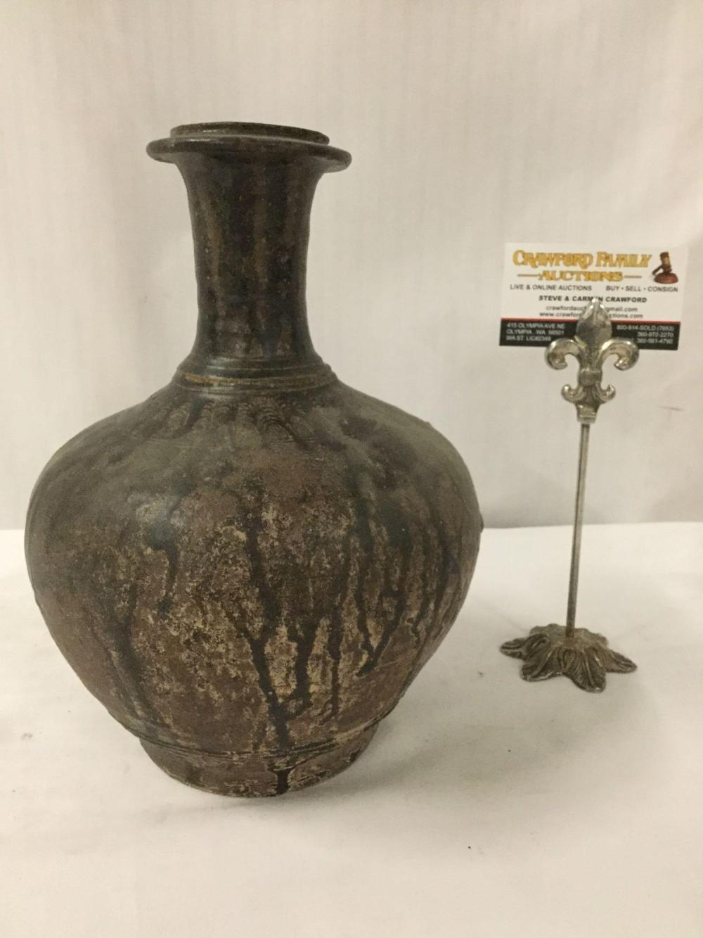 Circa 15th century Earthenware vase from Sankampaeng region of Thailand - appraised @ $400