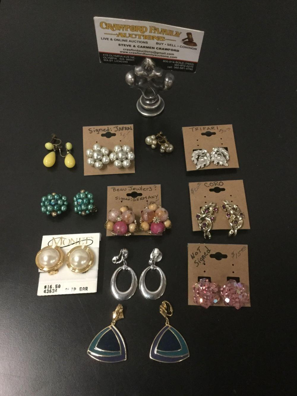 Collection of 11 pieces of vintage and modern costume jewelry earrings