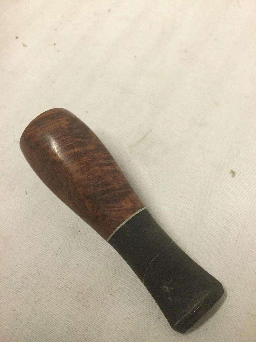 Lot 163: Genuine vintage kaywoodie pipe mouthpiece with Case