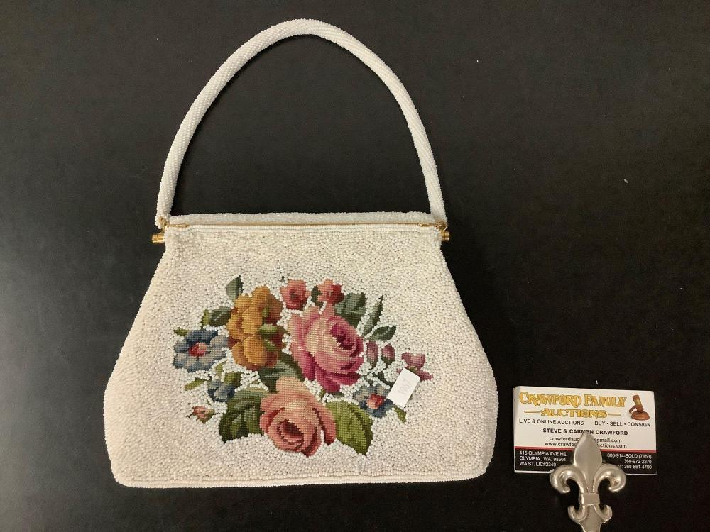 Vintage beaded ladies purse/handbag, with floral design, marked: hand made in Hong Kong