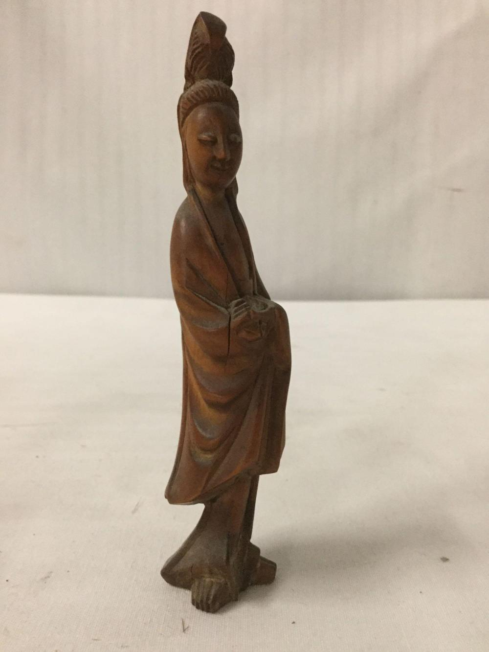 Lot 359: Lot of 5 small Asian figural carvings in wood and bone