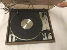 Lot 219: Vintage German Dual 601 T 550 turntable - powers on and spins but as is