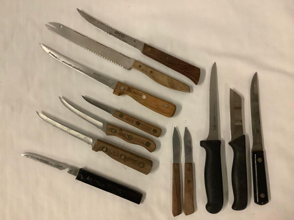 Lot 279: 12 knives; 3x Chicago Cutlery, 3x wood handled carving knives, fillet knife, Colonial, Mundial etc