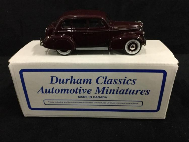 Mini-Auto 1938 Oldsmobile Sedan in box