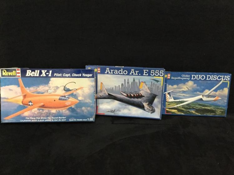 3 Revell plastic model airplane kits