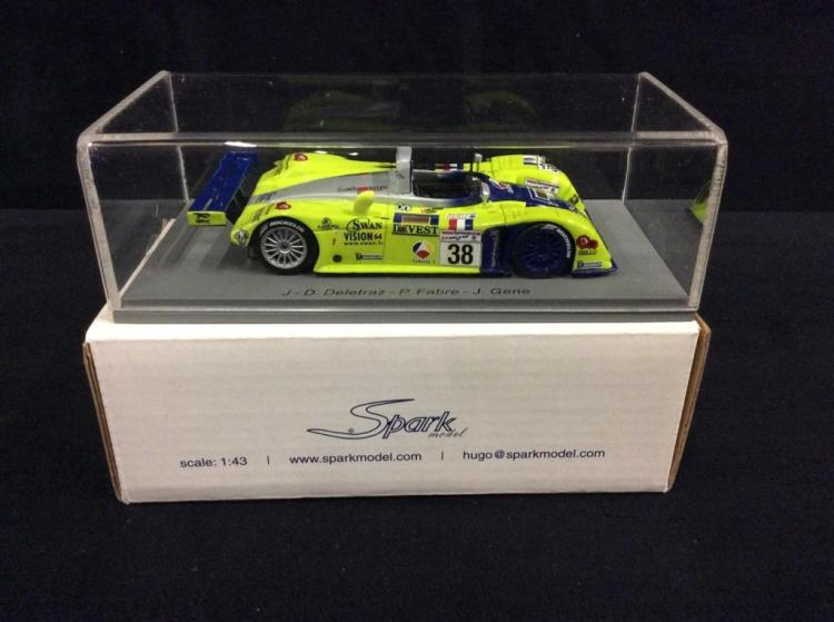 Spark Le Mans 2001 Reynard 2KQ model car in box