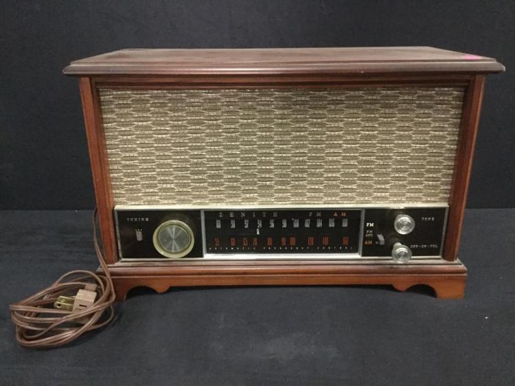 a vintage Zenith tube radio model K731 in beautiful working