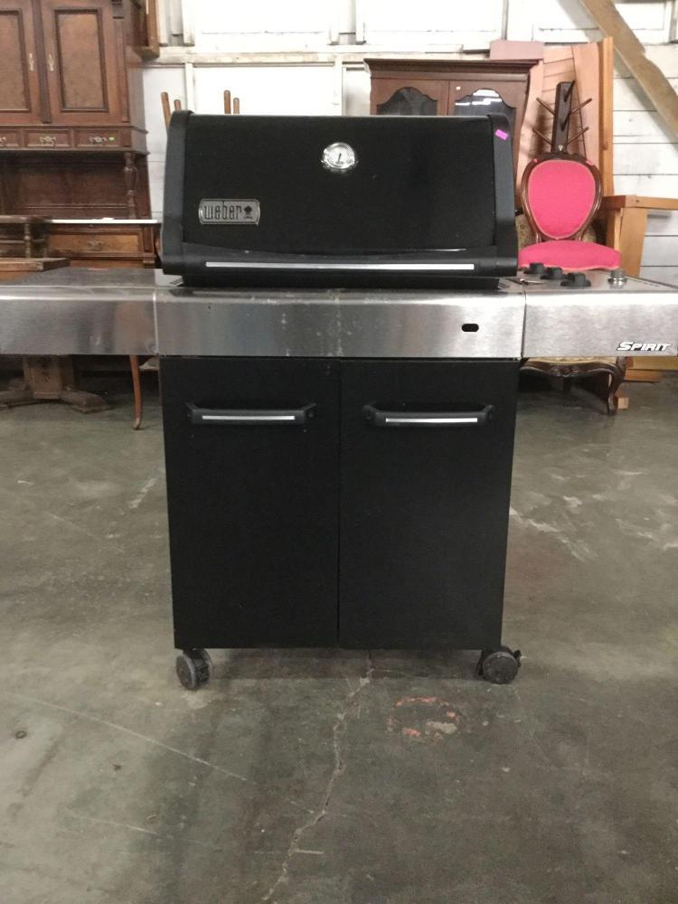 weber spirit e 310 propane grill w cover and propane tank. Black Bedroom Furniture Sets. Home Design Ideas